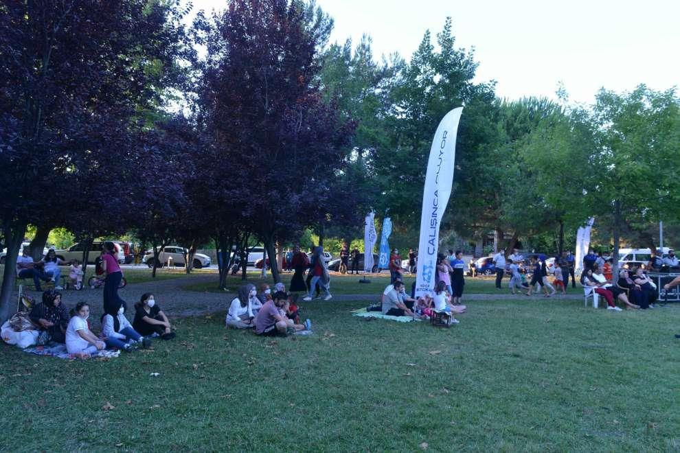 Büyükşehir'den Körfez ve Kartepe'de açık havada yaz konseri