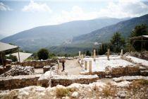 Antalya'da bin 700 yıl öncesine ait 8 odalı villa kalıntısı bulundu