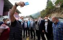 Başkan Büyükakın, Gölcük ilçesinin Selimiye ve Lütfiye köylerini ziyaret etti.