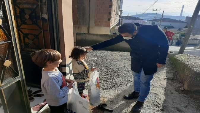 Başkan Şayir, ihtiyaç sahibi 1500 çocuğu sevindirdi