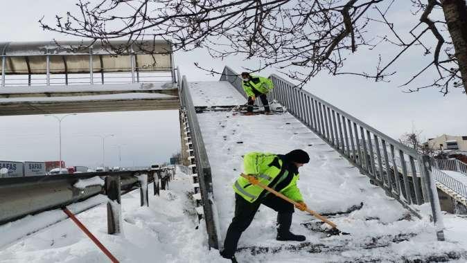Büyükşehir'den Gebze Bölgesi'nde yoğun kar mesaisi