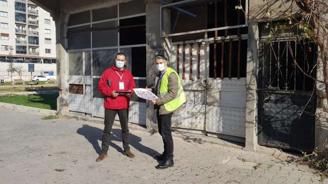 Büyükşehir hasar tespit çalışmaları için İzmire mühendis gönderdi