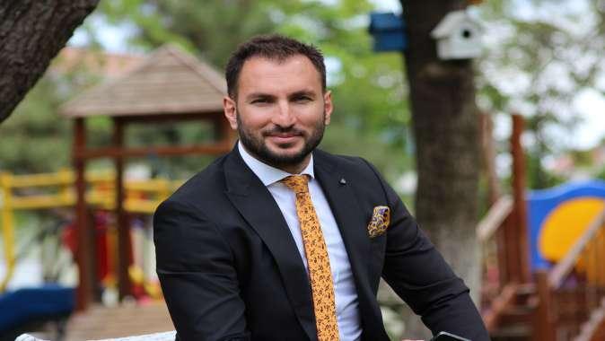 Dünya Karate Şampiyonu Serkan Yağcı Siyasete Göz Kırptı