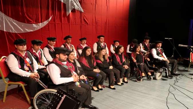 Engelsiz Sanat Topluluğu'ndan büyüleyen konser