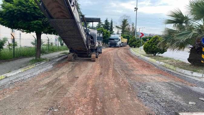 Gölcük Anafartalar Caddesi'nde üstyapı yenileniyor