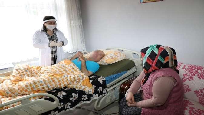 Hasta refakatçilerine uygulamalı eğitimler devam ediyor