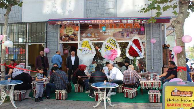 Kıtlama Semaver Cafe ye görkemli açılış