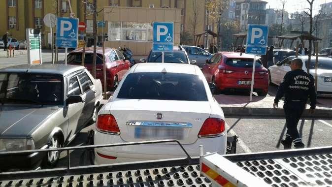 Kocaeli'de engelli yerine park edenlere af yok