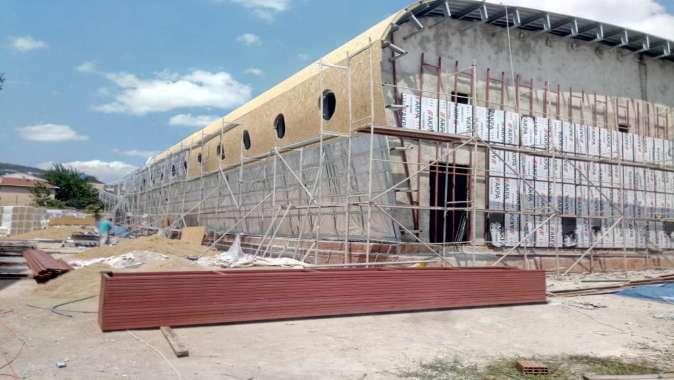 Orhangazi Spor Salonu'nun tribün yapım işi başladı