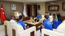 Başkan Büyükakın, Milli Karatecileri ağırladı.