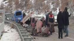 Başkent'te trafik kazası: 3 ölü, 3 yaralı