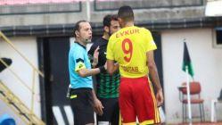 Cüneyt Çakır Net Penaltıyı Vermedi, Yeni Malatyasporluları çıldırttı
