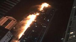 Dubai'deki Towch Tower gökdeleninde yangın