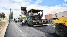 Emek Mahallesi'ne 17 bin ton asfalt serildi