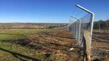 Kandıra Asri Mezarlığı'nın etrafı tel çit ile çevrildi