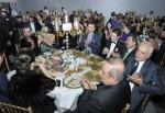 Karabacak En İyi Belediye Başkanı Ödülü'nü aldı.