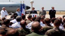 Macron askeri üssü ziyaret etti