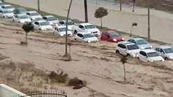 Mersin'i sel aldı! Yüzlerce vatandaş mahsur kaldı