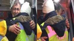 Polis, polise gözyaşları içinde sarıldı