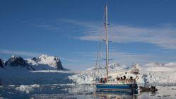 Rusya, kutuplarda kullanacağı İHA'larını tanıttı
