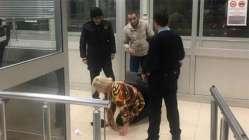Sınır kapısında şoke eden görüntü! Bavulun içinde yakalandı