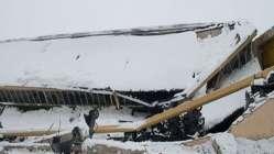 Son dakika: Konya'da pazar yerinin çatısı çöktü! Yaralılar var...