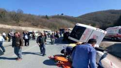 Son dakika: Türk Metal Sendikası üyelerini taşıyan otobüs devrildi! Çok sayıda ölü ve yaralı var