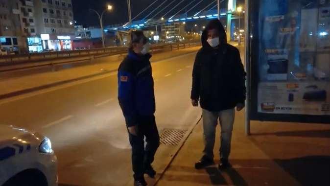 Yolda kalan vatandaşa Büyükşehir Zabıtası el uzattı